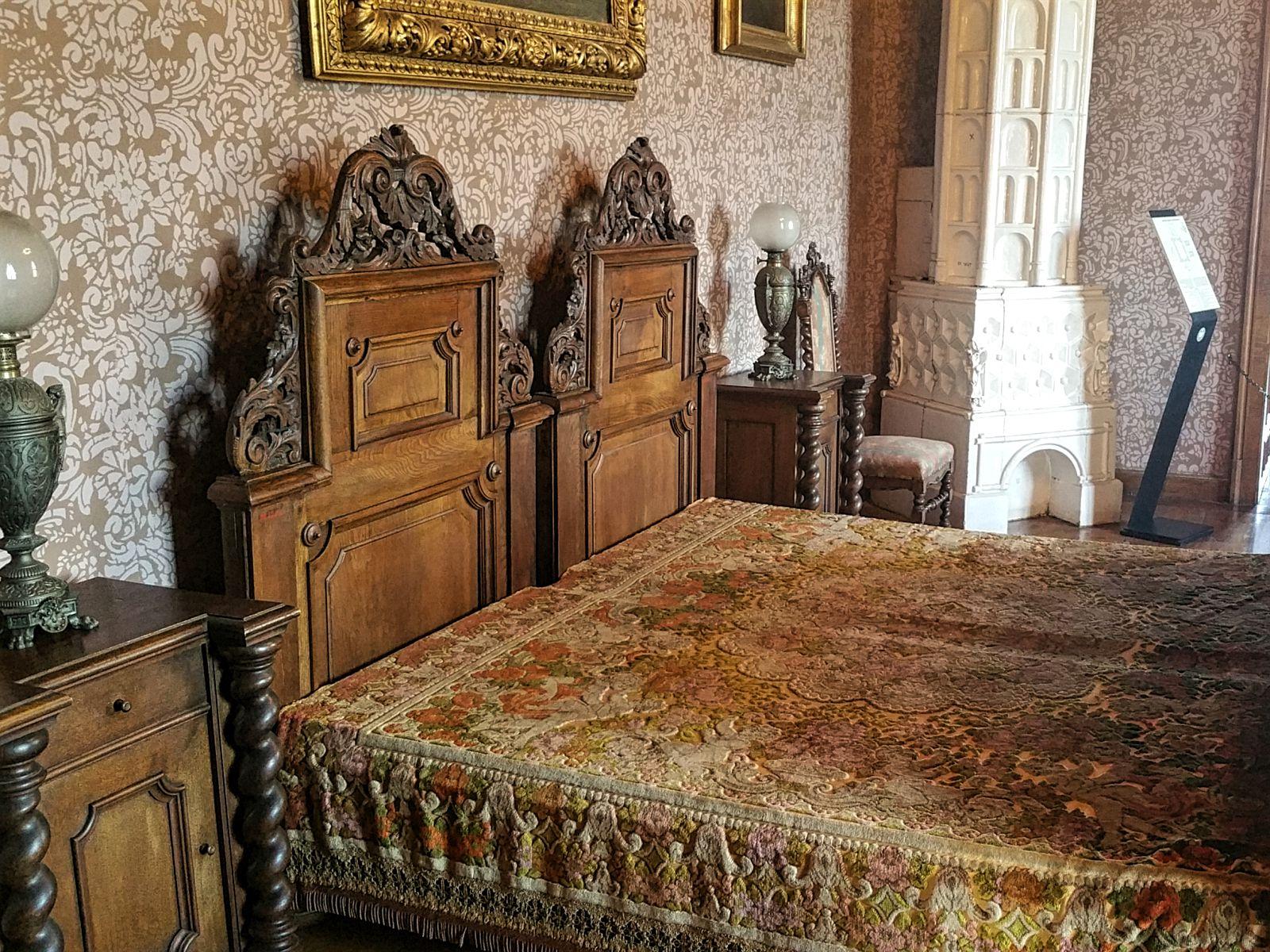 Trakosšćan castle, master bedroom, Croatia